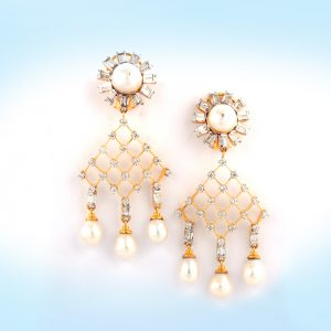 Diamond and Pearl Earring